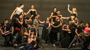 Ochenta bailarines, música y una experiencia original para inaugurar la Cumbre en el Colón