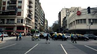 Hay cortes temporarios en avenidas y autopistas por el arribo de las delegaciones