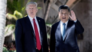 """China advierte que """"no capitulará"""" en la disputa comercial con EE.UU."""
