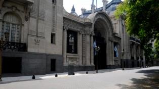 La Argentina ofreció brigadistas, tras la comunicación de Macri con Bolsonaro