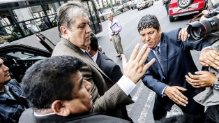Alan García anunció que volverá a actuar en política