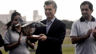 """Macri anunció que impulsará la construcción de """"aviones para el mundo"""""""