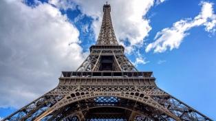 La Torre Eiffel se une a los monumentos de París que cierran el sábado por protestas