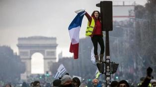 Indignación por detención masiva de adolescentes antes de nuevas protestas