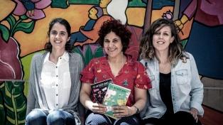Una revista y un juego de cartas buscan inspirar a niñas en las ciencias, el arte y las matemáticas