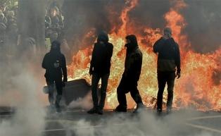 Expectativa por anuncios de Macron para contener la ola de protestas