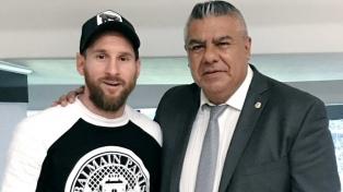 """Claudio Tapia: """"Si el técnico decide convocar a Messi, no tengo dudas de que va a venir"""""""