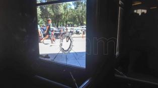 Allanan ocho domicilios en la causa por los ataques a balazos contra los tribunales