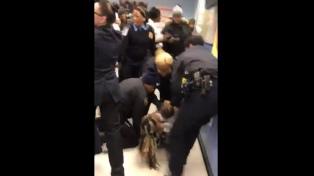 El arresto de una mujer con un bebé desata polémica en Nueva York
