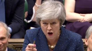 May descartó una elección general y dijo que el Brexit podría retrasarse