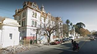 Murió en el hospital Piñero la mujer alcanzada por un rayo en la vía pública