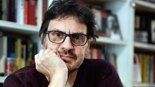 """Felipe Pigna: """"Hoy la incorrección pasa por la derechización y el ataque a la mujer"""""""