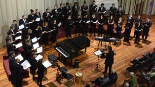"""El Coro Nacional de Jóvenes presenta """"Misa Criolla"""" y """"Navidad Nuestra"""""""