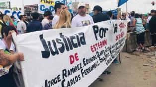 Marcha por justicia a un mes del incendio en una comisaría de Transradio