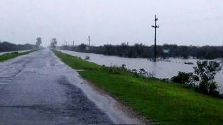 Alertas por lluvias, tormentas y vientos intensos en distintas zonas del país
