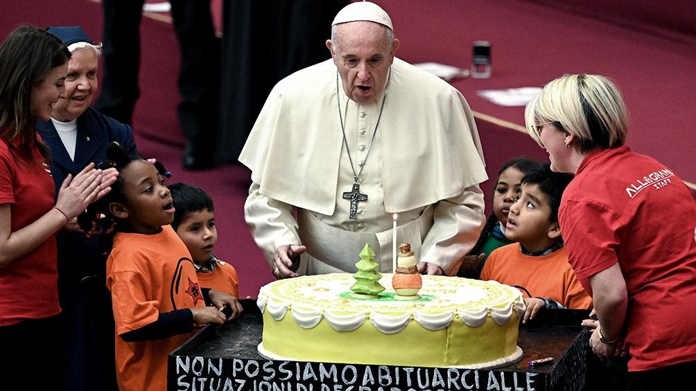 Jornada de normal actividad para el papa Francisco en su 82 cumpleaños