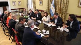 """El Gobierno oficializó aumentos de sueldo para Macri y """"autoridades superiores"""""""