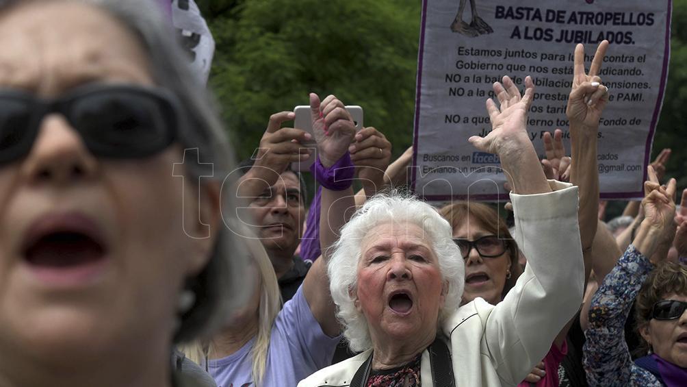 Informe privado ubica a la Argentina entre los peores sistemas de pensiones del mundo