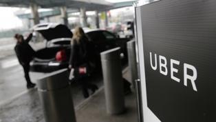 """En medio de la polémica por su legalidad, Uber lanza """"viajes compartidos"""" en Buenos Aires"""