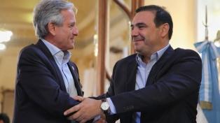 lbarra y Valdés firmaron convenios para sumar a la provincia al plan de conectividad