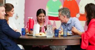 Macri visitó el comedor comunitario Los Piletones de Margarita Barrientos