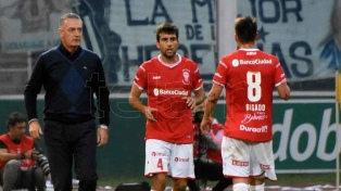Alfaro se despidió de Huracán y será nuevo DT de Boca