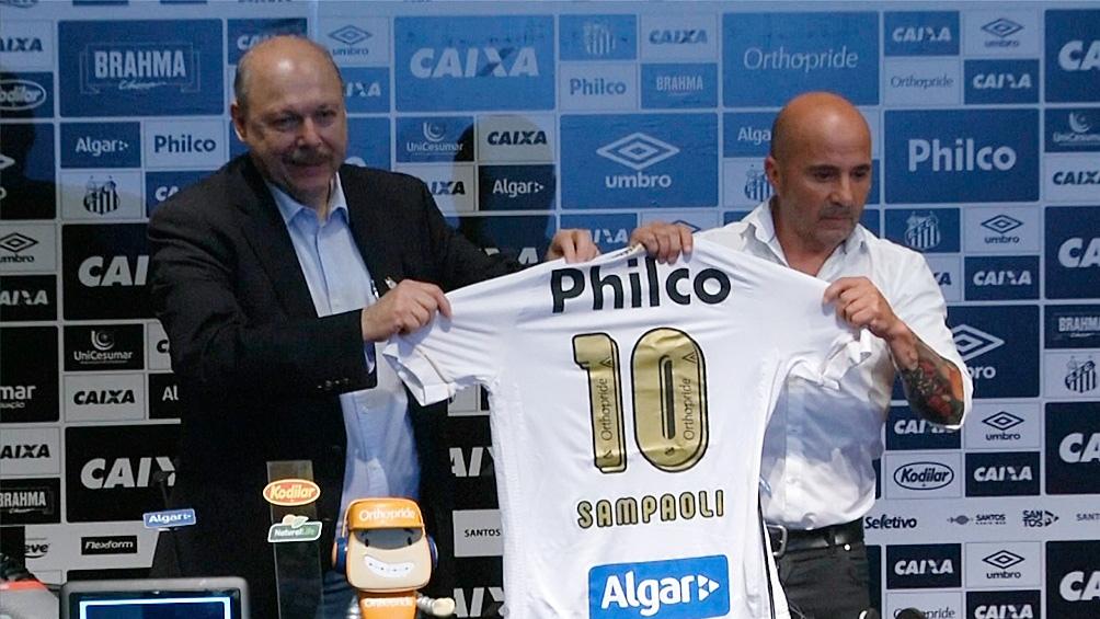 Sampaoli, cuando asumió la conducción técnica de Santos.