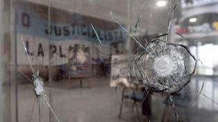 El PJ bonaerense repudió el ataque a su sede en La Plata