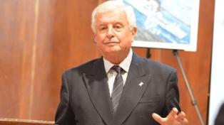 Falleció el comodoro Hugo Maiorano, que lideró la defensa antiaérea en la Guerra de Malvinas