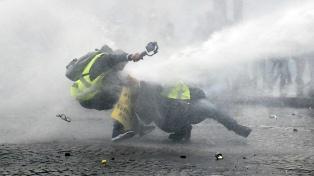 """Disturbios y detenidos en la novena protesta de los """"chalecos amarillos"""""""