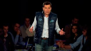 El inminente presidente de Andalucía justifica su alianza con la ultraderecha