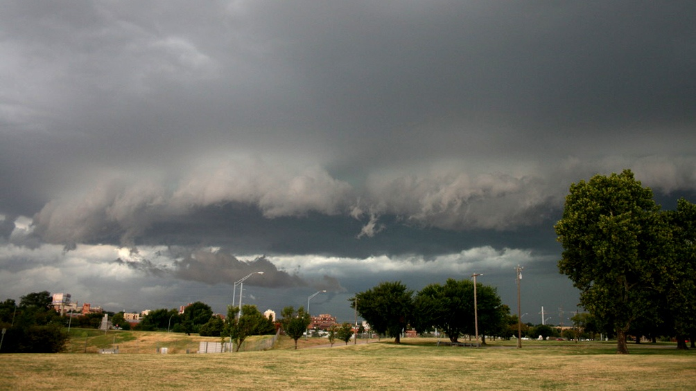 Lanzan alertas meteorológicos por tormentas para 10 provincias