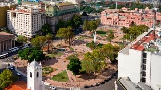 Diputados porteños debatirán el proyecto para autorizar el enrejado en la Plaza de Mayo
