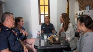 Vidal felicitó a los policías que salvaron a un niño de dos años al practicarle RCP