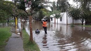 Lento retorno de evacuados tras más de diez días de lluvias en el norte y el litoral
