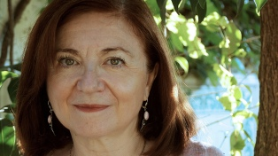 """María Rosa Lojo: """"Los países se definen por lo que deciden recordar y deciden ocultar"""""""