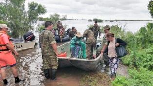 Más de 7.600 personas continúan evacuadas por las inundaciones en cinco provincias