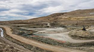 Las represas Cóndor Cliff y La Barrancosa tienen un avance de obra del 13%