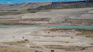 Santa Cruz: balance positivo oficial de la audiencia por el tendido eléctrico de las represas