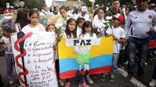 """Miles de colombianos gritaron """"No al terrorismo"""" en las calles"""