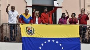 Militares venezolanos ratifican su lealtad a Maduro