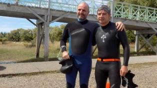 Unieron a nado 37 kilómetros del río Santa Cruz entre isla Pavón y el puerto de Punta Quilla