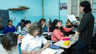Dejan sin efecto la resolución que limitaba la inscripción en 14 escuelas nocturnas