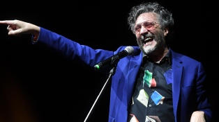 Fito Páez debutó en Cosquín con su rock adaptado para la ocasión