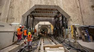 Se construyó la mitad del primer túnel subterráneo para mejorar la red cloacal