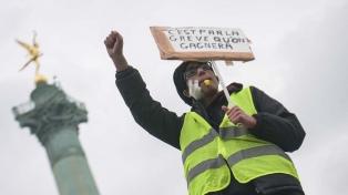 """Un """"chaleco amarillo"""" perdió una mano durante las protestas en París"""