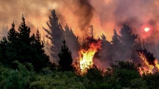 Sigue sin control el incendio que lleva consumidas casi 2.000 hectáreas en Epuyén