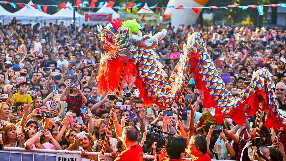 BUENOS AIRES: Con artes marciales y competencia de botes dragón, comienza el Año Nuevo Chino