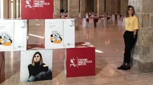 La española Elvira Sastre ganó el Premio Biblioteca Breve 2019 de Seix Barral