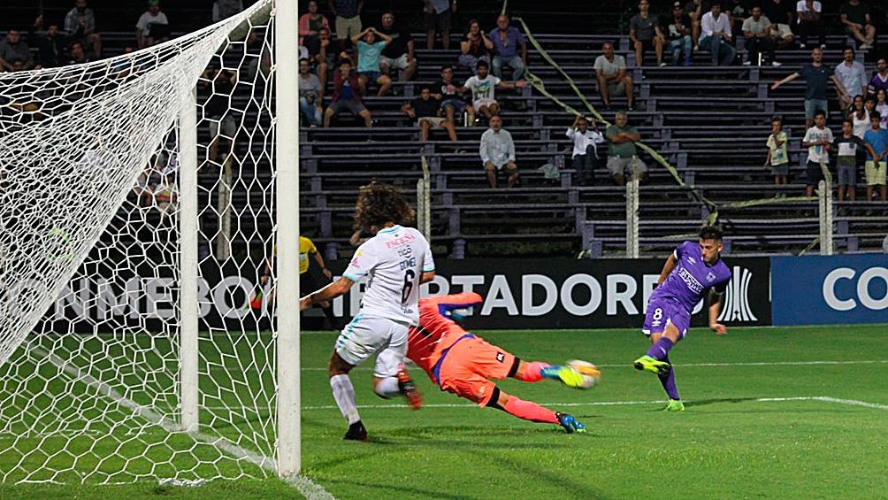 Defensor Sporting frente a Bolívar fue el primer encuentro transmitido por Facebook en Copa Libertadores (foto twitter Defensor Sporting)
